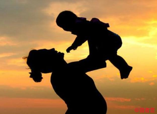 一个女人带小孩适合做什么工作挣钱